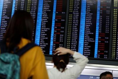 香港機場今仍有逾200航班取消 港民號召下午捲土重來