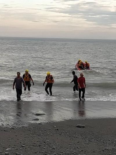 夏令營學生台東戲水遇大浪 眾人驚慌上岸1生被捲落海