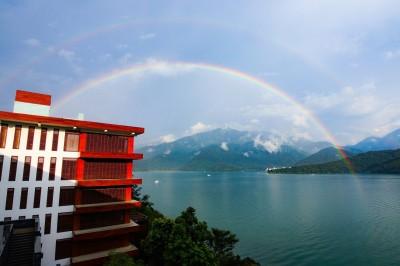 好美!日月潭又見超大「雙虹」 一個月內第二度