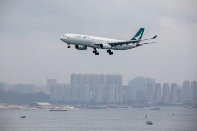 反送中》國泰航空證實「解雇2機師」 稱一人涉暴動罪