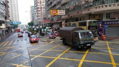 香港市區清晨驚見大量解放軍車! 港人憂818鎮壓
