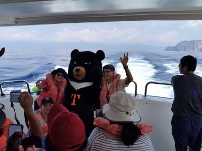 限定半年登島 台灣觀巴:龜山島行程最受國際觀光客青睞