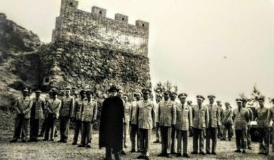 台灣唯一演訓城堡! 黑白照揭蔣介石反攻大陸神秘史