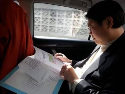 公文PK賽》林右昌搭車沒閒著 前幕僚:好市長不能只靠顏質