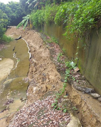連日大雨摧殘 台中大里產業道路嚴重損壞