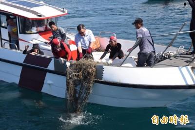 澎湖打撈海底覆網 賴峰偉提出3年清除18萬公尺