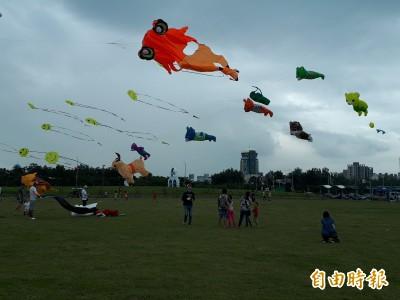 新竹市國際風箏節活動   今天取消、明天如期舉行
