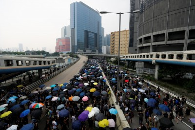 反送中》港鐵停駛也擋不了! 觀塘遊行促回應5大訴求