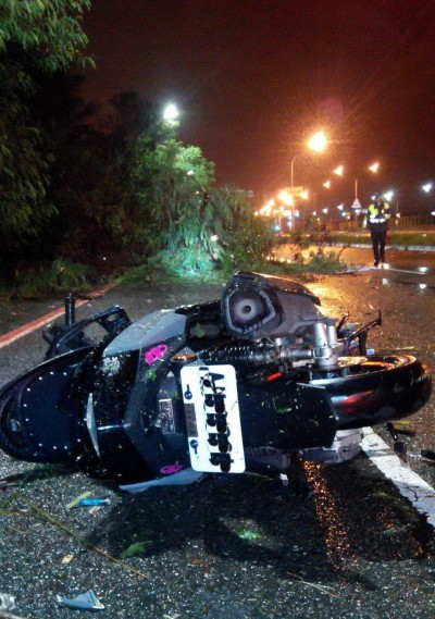 白鹿颱風樹倒造成18歲騎士死亡 黃偉哲:非常非常遺憾