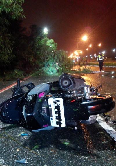 白鹿颱風樹倒騎士撞上死亡 南市府:權責已釐清