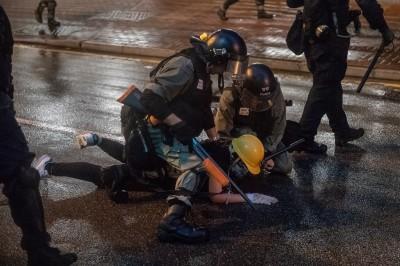 反送中》警察喬裝製造嫌隙 抗爭者籲團結:別再抓內鬼