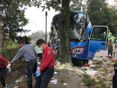 未低速下坡致乘客1死23傷 遊覽車司機判刑