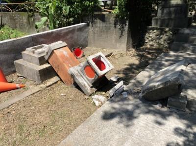 花蓮縣定古蹟石燈籠倒塌 結構完整估可修復