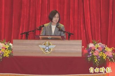 親自表揚國軍楷模 蔡總統:任何挑戰都會與國軍站在一起