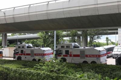 影片曝光! 大批特警、武警凌晨開進深圳