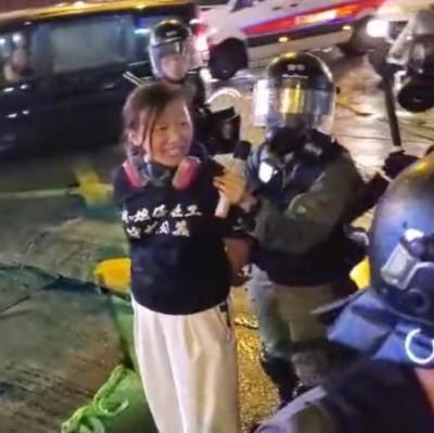 反送中》屢在現場籲警冷靜 香港社工總工會理事被捕
