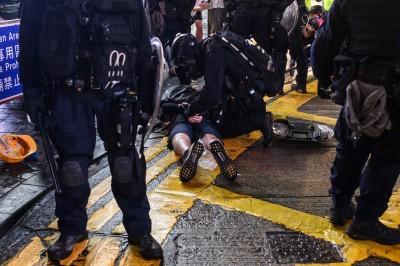 港警真槍實彈混入示威群眾 范世平嗆:不是太笨就是太壞