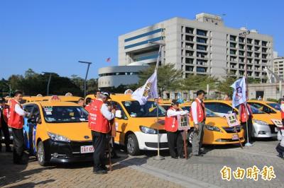 延長Uber緩衝期? 計程車業嗆交通部:不要違法失信
