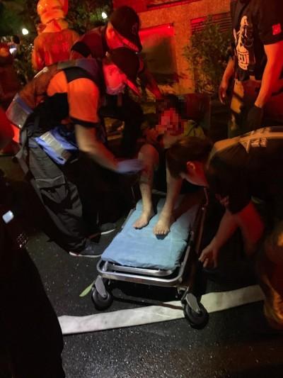 凌晨台南大林新城國宅失火 1婦人嗆灼傷送醫