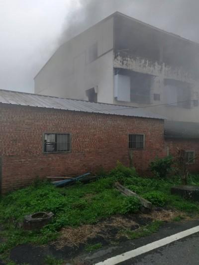 雲林民宅火警 1男子受困獲救送醫