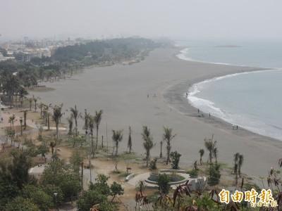 南部兩處知名海灘水質 豪雨過後大腸桿菌群超標