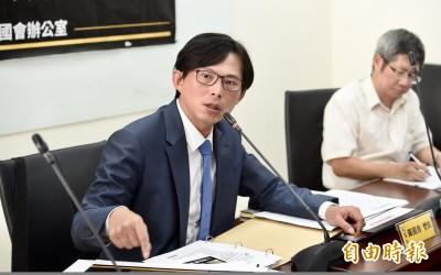 黃國昌稱時力不賣亡國感 學者李忠憲:論述真是矛盾