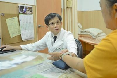 中醫師教你看舌頭 判斷自己適不適合喝咖啡!