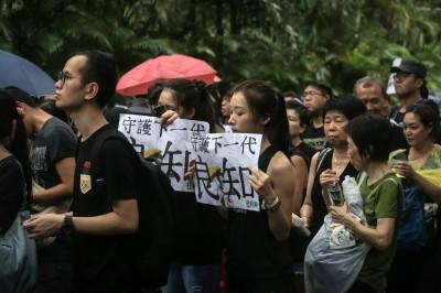 反送中》發表「仇警言論」 58名香港教師被調查
