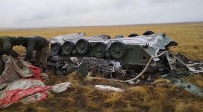 8國聯合軍演空投爆意外 俄羅斯2戰車摔成廢鐵