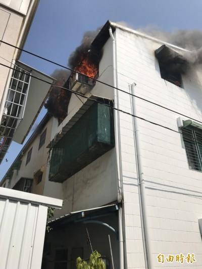 民宅神明廳失火 3人受困救出
