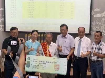 87歲稻農謝美國 首次參賽就當「台灣米王」
