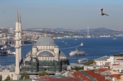土耳其規模5.7極淺層地震 撼動第一大城伊斯坦堡