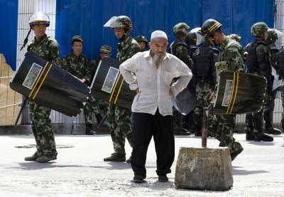 去過新疆都說好? 王毅:「再教育營」受全中國人民支持