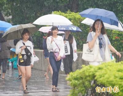 北東部週六慎防豪大雨 颱風「米塔」24小時內可能生成