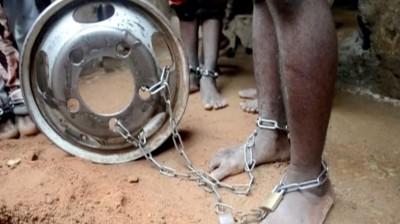恐怖學校!奈國警方救出300遭囚學生 鐵鍊拴腳背上有鞭痕