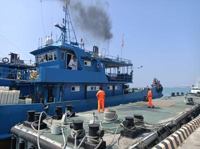 越界中國漁船撞海巡艦艇 賠償、罰款430萬後驅逐出境