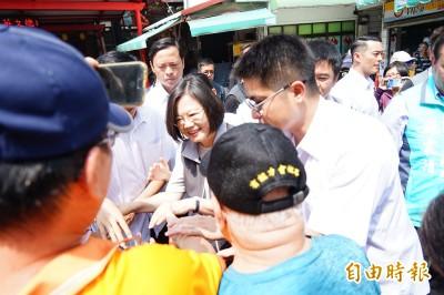 屏東女兒回鄉固票 蔡英文:選一個讓台灣人有尊嚴的總統