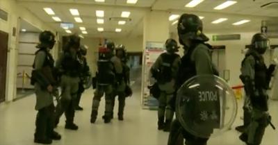 香港人反抗》14歲少年中彈警持槍守醫院 戰地醫生轟:荒謬、無人性!