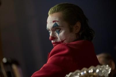 《小丑》殺人他在底下鼓掌狂笑 影迷遭警帶離戲院
