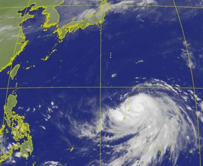 超清晰針眼! 36小時就達中颱上限 「哈吉貝」深夜攻強颱