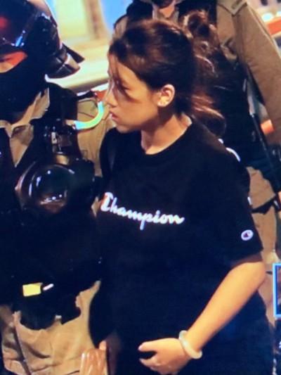 香港人反抗》孕婦也抓!示威者屯門堵路港警逮捕多人
