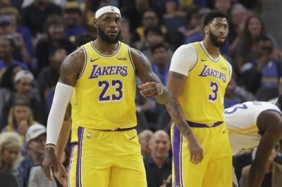 美球迷募資 號召NBA開幕戰穿挺港黑衣