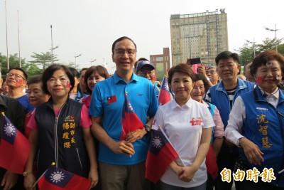 是否接韓的中市競總主委及韓朱配 盧秀燕、朱立倫都說…