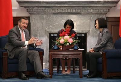 35年來第一位出席國慶美國參議員:支持台美簽自貿協定