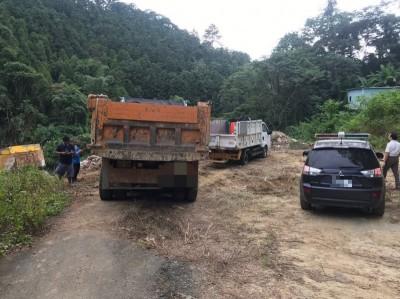 未乾檳榔渣成線索...  警當場逮捕亂倒廢棄物司機