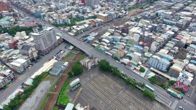 鳳山維新陸橋10/26開拆 封路到明年228