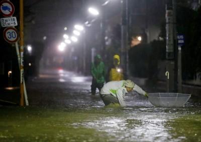 颱風襲日多處河川氾濫 民宅淹水損害暫難估算