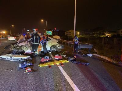2車國道變換車道猛撞3傷 警:非超跑車禍