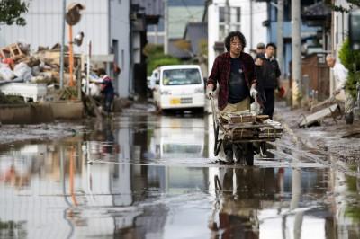 歧視?東京避難所拒收遊民惹議 安倍:應對所有人開放