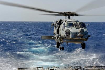 美方遊說、單價下滑 傳軍方討論採購8架MH-60R反潛直升機